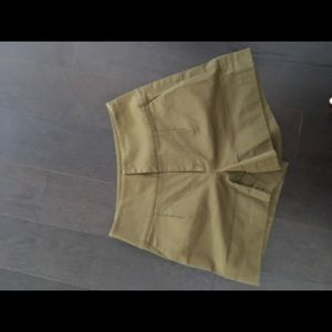 Pants - Olive green high waisted short